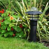 Sfeerfoto tuinverlichting staand zwart