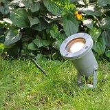 Sfeerfoto led tuinspot zilver met led tuin